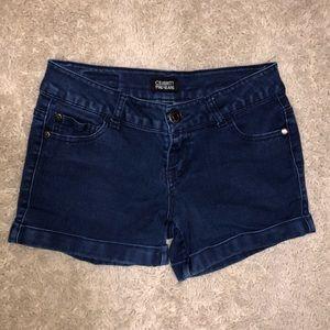 6/$20 Celebrity Pink size 3 denim shorts